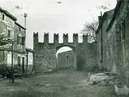 Mala vrata početkom 60-ih godina, Barban. (bn. 6830) Iz arhive Arheološkog muzeja Istre