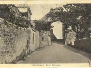 Gradska vrata početkom 20-ih godina XX.st., Buzet. Iz arhive Zavičajnog muzeja u Buzetu
