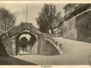 Gradska vrata početkom 30-ih godina, Buzet. Iz arhive Zavičajnog muzeja u Buzetu
