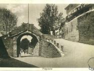 Gradska vrata u Buzetu između dva svjetska rata, Buzet. Iz arhive Zavičajnog muzeja u Buzetu