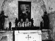 Oltar u crkvi sv. Mihovila 1971. godine, Vodnjan. (fn. 10695) Iz arhive Arheološkog muzeja Istre