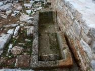 Sarkofag. Crkva Svetog Mihovila/arheološko nalazište Banjole. Autor: Aldo Šuran (2010.)
