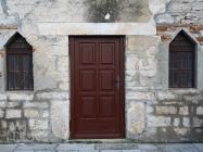 Pročelje crkve Svetog Antuna opata s natipsom. Galižana. Autor: Aldo Šuran (2010.)