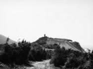 Pogled na lokalitet Gradac s kulom Turan 1992. godine, Koromačno. (fn. 25949) Iz arhive Arheološkog muzeja Istre