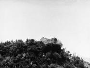 Ruševine kule Turan 6. svibnja 1992. godine, Koromačno. (fn. 25957) Iz arhive Arheološkog muzeja Istre