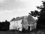Gotička crkva sv. Mihovila krajem 50-ih godina, Labin. (fn. 5364) Iz arhive Arheološkog muzeja Istre