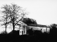 Crkva Svete Marije 1972. godine, uvala Kuje, Ližnjan. (fn. 11550) Iz arhive Arheološkog muzeja Istre