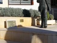 Spomenik dr. Ivanu Zucconu. Medulin Autor: Aldo Šuran (2010.)