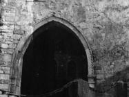 Gradska vrata početkom 50-ih godina, Motovun. (fn. 1165) Iz arhive Arheološkog muzeja Istre