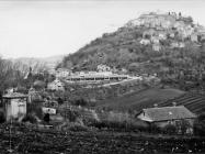 Pogled na područje gradnje pod Motovunom, tom prilikom uništena ranokršćanska crkva Svetog Vida, Motovun. (fn. 17936) Iz arhive Arheološkog muzeja Istre