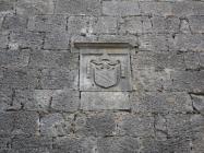 Crkva Svete Marije Magdalene, grb, Mutvoran. Autor: Aldo Šuran (2009.)