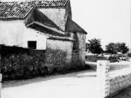 Crkva sv, Agate u Novigradu snimljena 1972. godine. Novigrad (fn. 11847b.) Iz arhive Arheološkog muzeja Istre