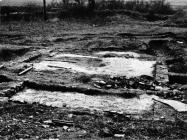 Antička arhitektura u Luci Plomin sredinom 80-ih godine, Plomin. (fn. 21047) Iz arhive Arheološkog muzeja Istre