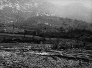 Pogled na Plomin i nalazište antičke arhitekture u Luci Plomin i sredinom 80-ih godine, Plomin. (fn. 21051) Iz arhive Arheološkog muzeja Istre