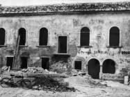 Kaštel i lođa u Raklju krajem 40-ih godina, Rakalj. (fn. 877) Iz arhive Arheološkog muzeja Istre