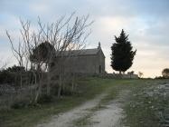 Crkva sv. Agneze u starom Raklju. Autor: Aldo Šuran (2008.)