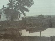 Lokva u ročkom polju između dva rata, izvor vode za piće prije dolaska vodovoda, L'Arena di Pola, (2. ožujak 1991.)