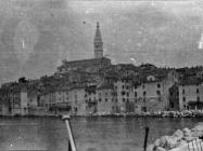 Pogled na Rovinj početkom 50-ih godina, Rovinj. (fn. 1526 b) Iz arhive Arheološkog muzeja Istre