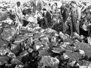 Radovi na tumulu na Maklavunu kod Sošića krajem u drugoj polovici 50-ih godina, Rovinjsko selo. (fn. 4858) Iz arhive Arheološkog muzeja Istre