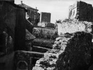 Gradske zidine i kula početkom 80-ih godina, Sveti Lovreč. (fn. 19077) Iz arhive Arheološkog muzeja Istre