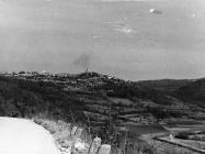 Pogled na Tinjan i Dragu s juga 1990. godine, Tinjan. (fn. 24254) Iz arhive Arheološkog muzeja Istre