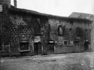 Barokna palača s grbom na pročelju u prvoj polovici 20. stoljeća, Vodnjan. (fp. 507) Iz arhive Arheološkog muzeja Istre