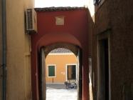 Gradska vrata. Vrsar. Autor: Aldo Šuran (2009.)