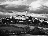 Pogled na Žminj, Žminj. (foto Orel, fp. 8380) Iz arhive Arheološkog muzeja Istre