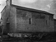 Gotička crkva Majke Božje od Karmela početkom 50-ih godina, Bačva. (bn. 2302) Iz arhive Arheološkog muzeja Istre