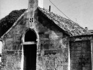 Crkva sv. Duha u prvoj polovici 80-ih godina, Bale. (fn. 19162) Iz arhive Arheološkog muzeja Istre
