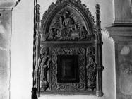 Gotička kustodija u crkvi sv. Nikole u početkom 60-ih godine, Barban. (bn. 6851) Iz arhive Arheološkog muzeja Istre