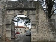 """Zapadna gradska """"vela"""" vrata. Barban. Autor: Aldo Šuran (2008.)"""