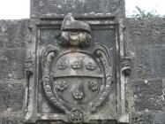 """Grb obitelji Loredan na zapadnim gradskim """"velim"""" vratima. Barban. Autor: Aldo Šuran (2008.)"""