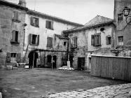 Trg u Fažani 1972. godine nakon asfaltiranja, Fažana. (fn 11611). Iz arhive Arheološkog muzeja Istre