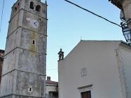 Župna crkva Svetog Roka izgrađena 1634. i zvonik. Galižana. Autor: Aldo Šuran (2010.)