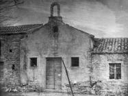 Pročelje crkve sv. Jakova u Guranu 1955. godine, Guran. (fn. 3139) Iz arhive Arheološkog muzeja Istre