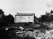 Crkva sv. Agate 1988. godine godina, Kanfanar. (fn. 23618) Iz arhive Arheološkog muzeja Istre