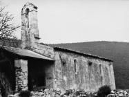 Romanička crkva sv. Ivana glavosijeka 1991. godine, Koromačno. (fn. 24889) Iz arhive Arheološkog muzeja Istre
