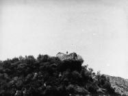 Ruševine kule Turan nakon rušenja 6. svibnja 1992. godine, Koromačno. (fn. 25959) Iz arhive Arheološkog muzeja Istre
