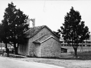 Začelje crkve sv. Kuzme i Damjana u prvoj polovici 60-ih godina, Labin. (bn. 6460) Iz arhive Arheološkog muzeja Istre