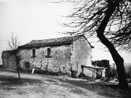 Dio zidina nadovezanih na kuću 1973. godine, Lindar. (fn. 12028) Iz arhive Arheološkog muzeja Istre