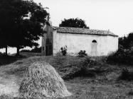 Crkva Svete Marije početkom 60-ih godina, uvala Kuje, Ližnjan. (bn. 6794) Iz arhive Arheološkog muzeja Istre