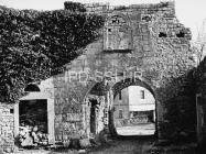 Gradska vrata Mutvorana u prvoj plovici 60-ih godina, Mutvoran. (bn. 6372) Iz arhive Arheološkog muzeja Istre