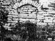 Zazidani ulaz na zidinama Mutvorana 1973. godine, Mutvoran. (fn. 13301) Iz arhive Arheološkog muzeja Istre