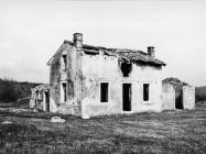 Čuvareva kuća 1972. godine, Nezakcij. (fn. 11486) Iz arhive Arheološkog muzeja Istre