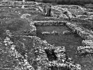 Kasnoantička građevina snimljena 1957. godine. Iz arhive Arheološkog muzeja Istre