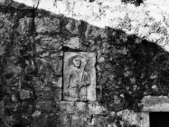 Plominski tapis uzidan u crkvu Sv. Jurja 1969. godine, Plomin. (bn. 8330) Iz arhive Arheološkog muzeja Istre