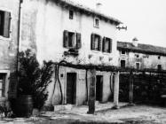 Rodna kuća Mije Mirkovića 1967. godine, Rakalj. (bn. 8182) Iz arhive Arheološkog muzeja Istre