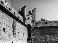 Pogled na kulu iz dvorišta kaštela Morosini-Grimani 1969. godine, Savičenta. (bn. 8338) Iz arhive Arheološkog muzeja Istre