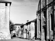 Pročelje crkve Uznesenja Blažene Djevice Marije 1973. godine, Savičenta. (fn. 11924) Iz arhive Arheološkog muzeja Istre